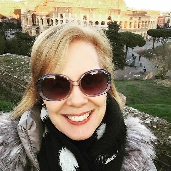 My my warm puffer coat worn in Rome | 40plusstyle.com