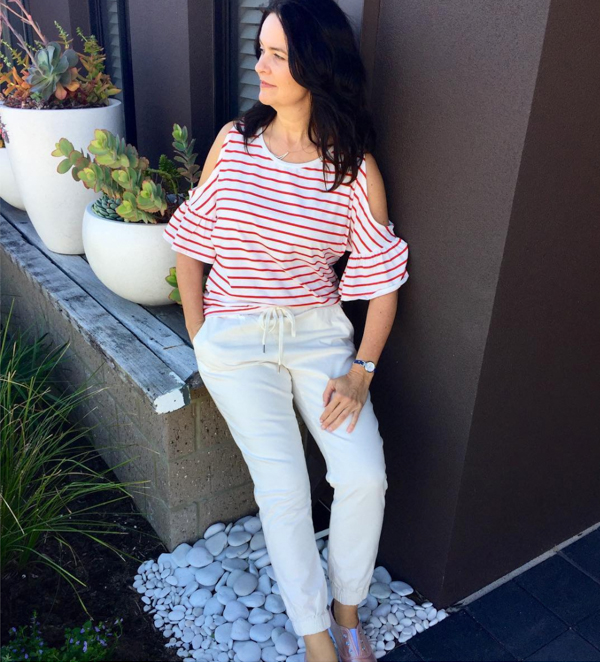 cold shoulders with white pants   40plusstyle.com