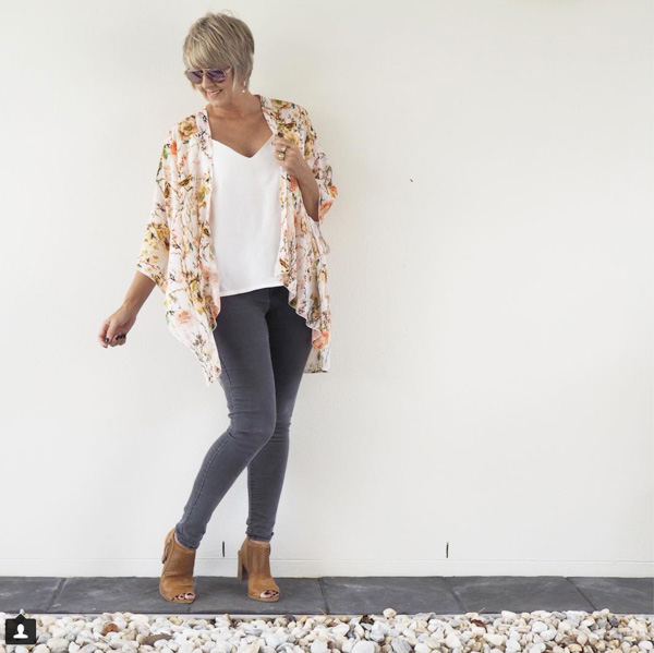 Floweral cardigan | 40plusstyle.com