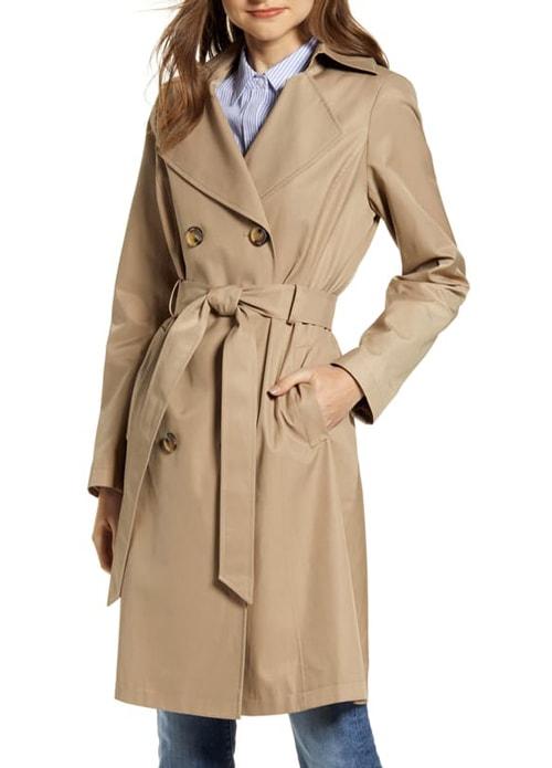 classic trench coat | 40plusstyle.com