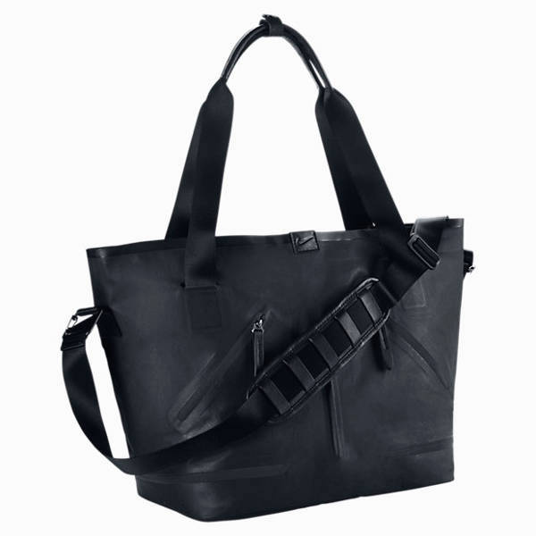 Nike urban-chic tote bag | 40plusstyle.com