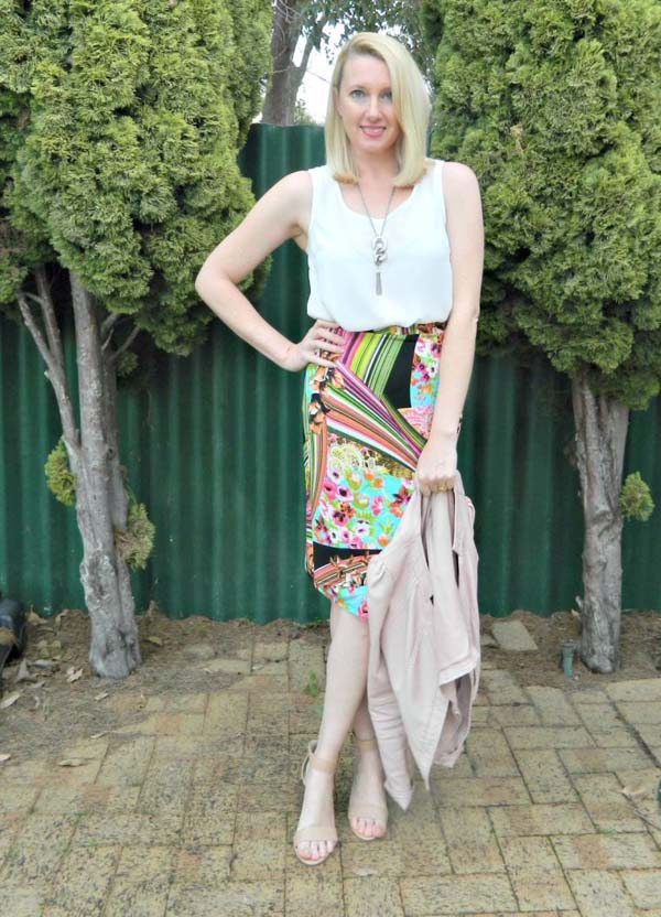 Graphic patterned wrap skirt design | 40plusstyle.com