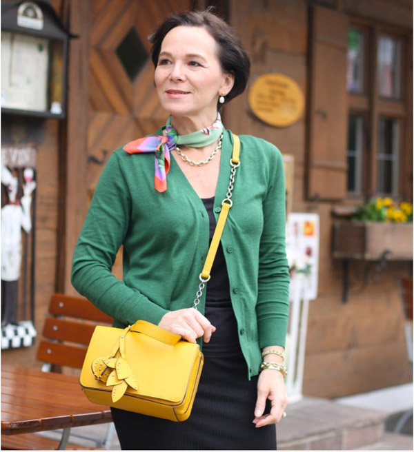 Bright colored bags are great for summer! | 40plusstyle.com