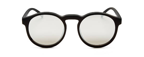flattering sunglasses by face shape | 40plusstyle.com