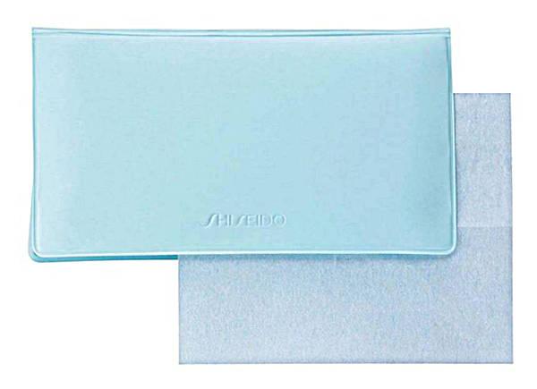 blotting tissue | 40plusstyle.com