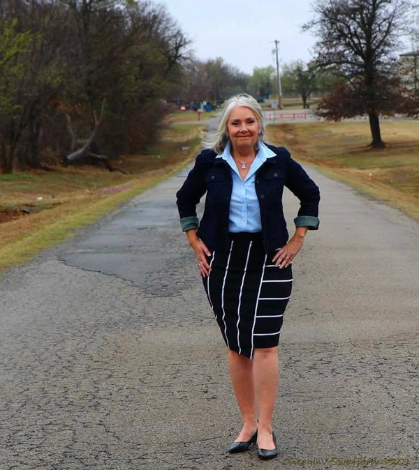 An elongating striped pencil skirt | 40plusstyle.com