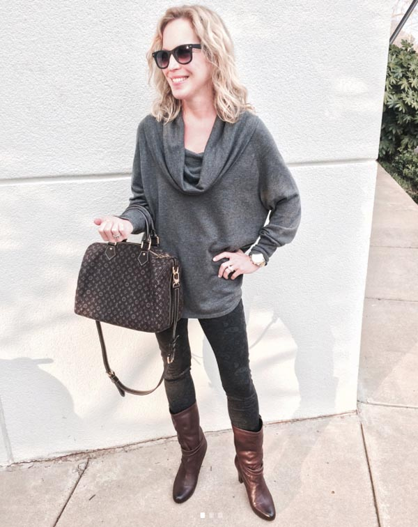 Loose sweater for Fall | 40plusstyle.com