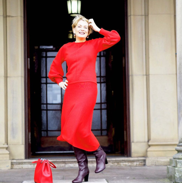 Chic in red during the Fall | 40plusstyle.com
