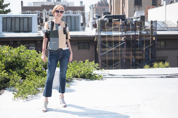 How to style crop flare jeans and transition this outfit to fall | 40plusstyle.com