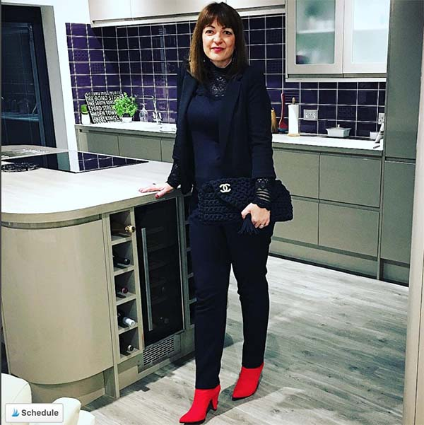 Black with a pop of red outfit | 40plusstyle.com