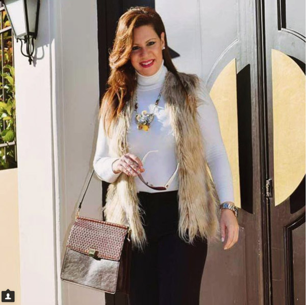 Glamorous outfits with a turtleneck | 40plusstyle.com