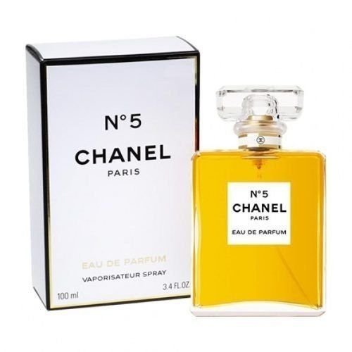 Chanel number 5 - Gifts for women over 40 | 40plusstyle.com