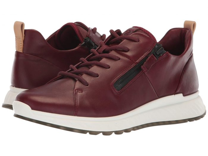 Sneakers for women over 40 | 40plusstyle.com