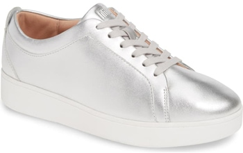 FitFlop silver sneaker | 40plusstyle.com