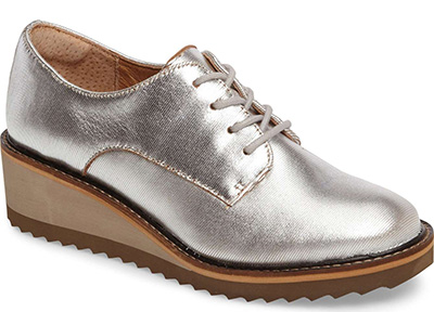 stylish silver shoes | 40plusstyle.com