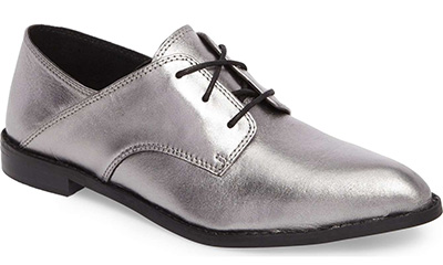 silver shoes | 40plusstyle.com