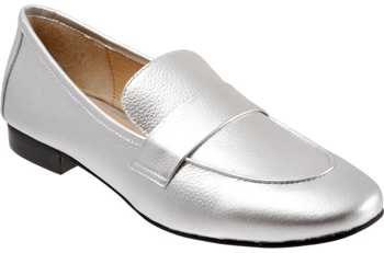 Trotters loafers | 40plusstyle.com