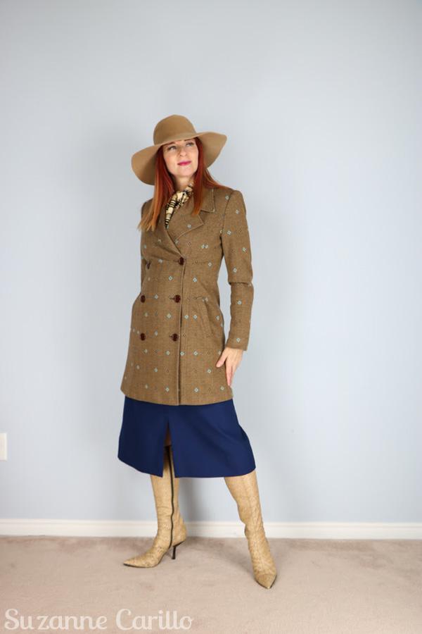 Look elegant with vintage pieces | 40plusstyle.com