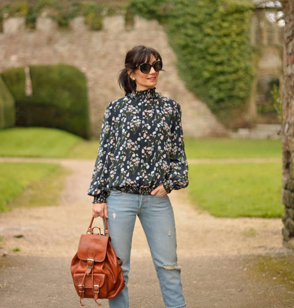 casual chic look with florals | 40plusstyle.com