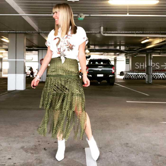 statement skirt - #40plusstyle inspiration: green | 40plusstyle.com