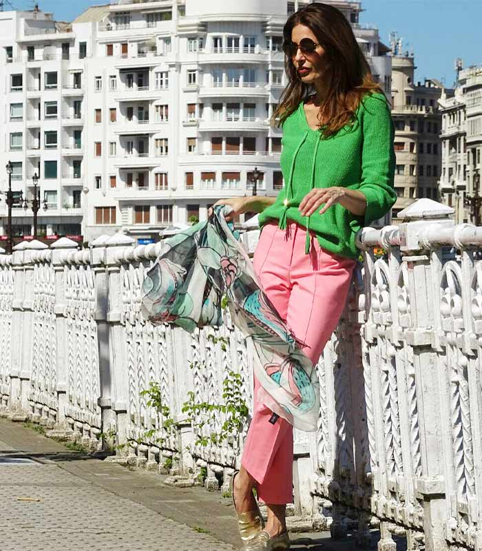 #40plusstyle inspiration: 15 fabulous looks featuring the color GREEN | 40plusstyle.com