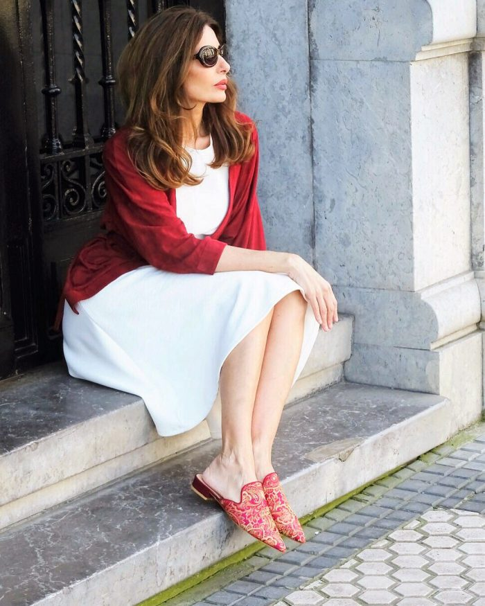 Pairing red with white | 40plusstyle.com