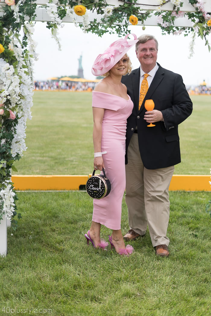 Elegantly chic at the Veuve Clicquotpolo classic 2018 | 40plusstyle.com