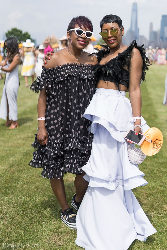 Black & white statement looks at the Veuve Clicquot polo classic 2018 | 40plusstyle.com