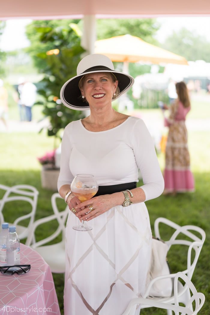 Chanel chic in black and white at the Veuve Clicquotpolo classic 2018 | 40plusstyle.com
