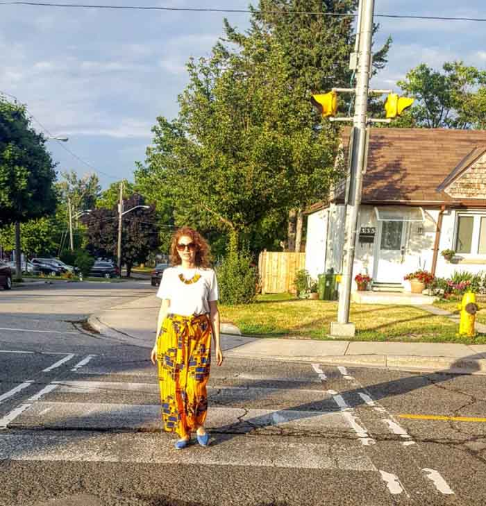 Yellow outfits for women over 40 | 40plusstyle.com