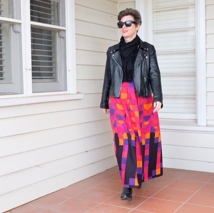 Graphic print - #40plusstyle inspiration: 20 different ways to wear black | 40plusstyle.com