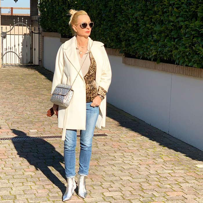 neutral coloured coat | 40plusstyle.com