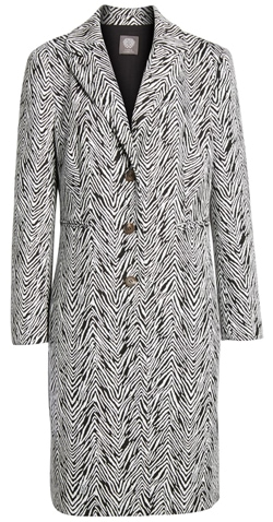 jacquard coat | 40plusstyle.com