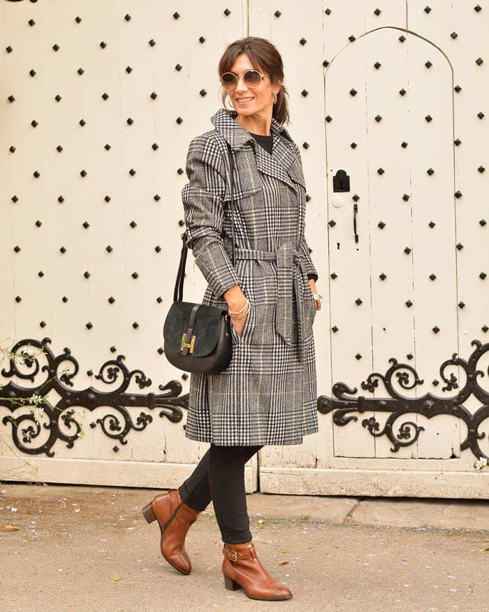 women's plaid trench coat | 40plusstyle.com
