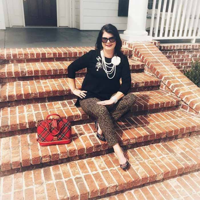 Cheetah print pants - #40plusstyle inspiration: The best casual looks for Fall | 40plusstyle.com
