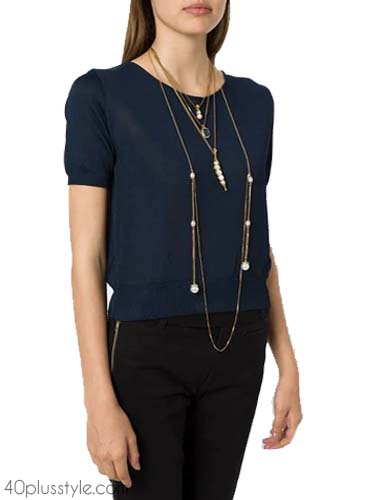 Layered necklace for your outfits   40plusstyle.com