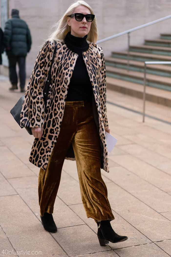40+ street style inspiration: timeless animal print coat | 40plusstyle.com