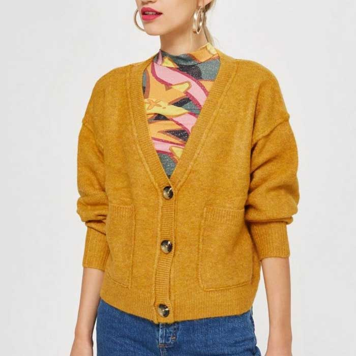 Yellow knit cardigan - stylish cardigan outfits for women | 40plusstyle.com