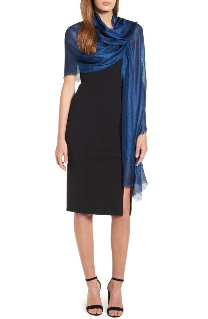 Classic blue wrap for your winter party looks | 40plusstyle.com