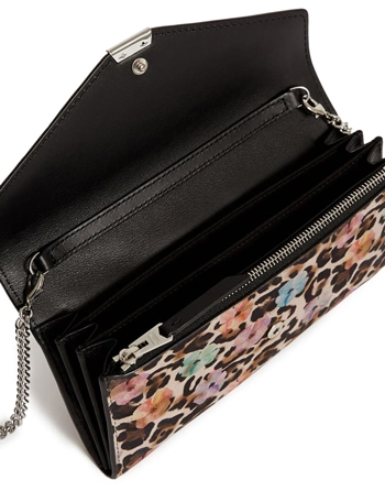 Colorful wallet | 40plusstyle.com