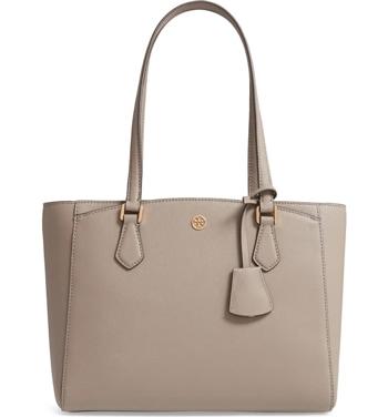 Tory Burch tote bag | 40plusstyle.com