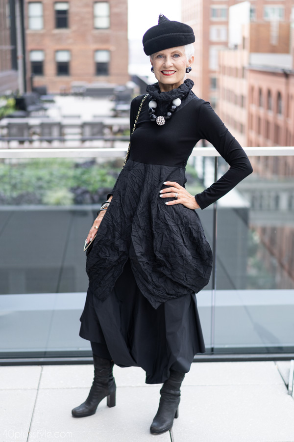 How to wear all black | 40plusstyle.com