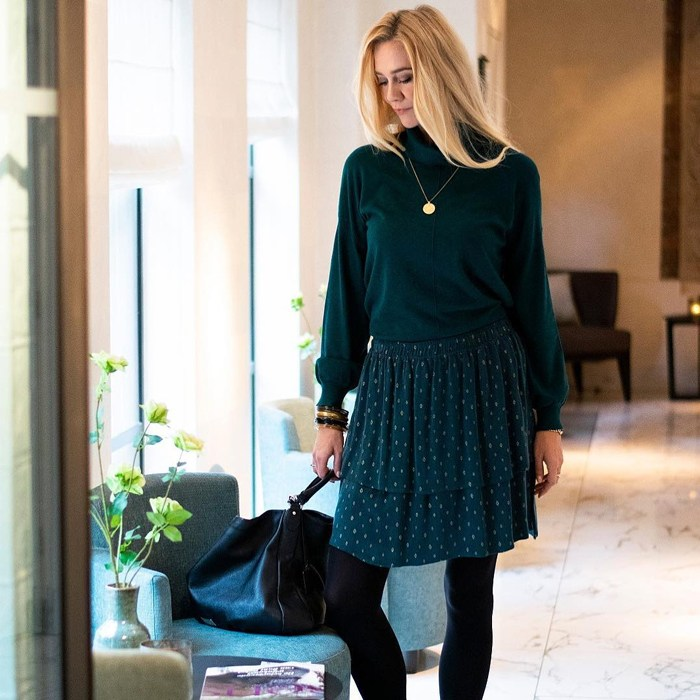 40plusstyle Inspiration  25 ways to style your winter sweater 41c68b022
