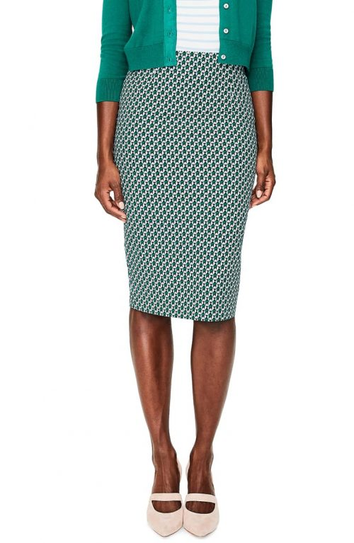 classic skirt styles for women over 40 | 40plusstyle.com