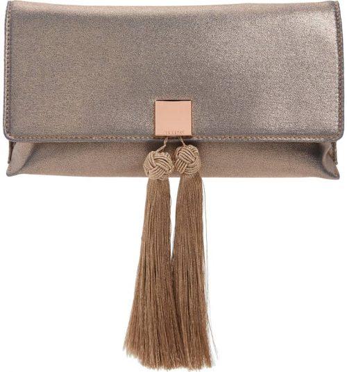 evening clutch bag ideas for women over 40 | 40plusstyle.com