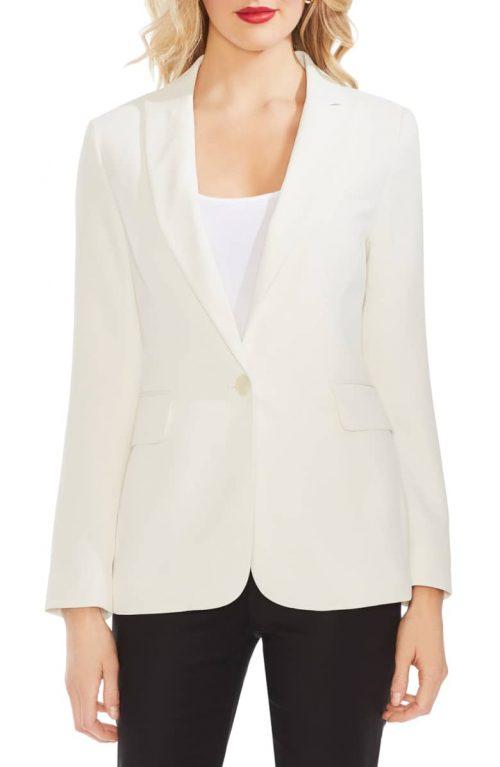 stylish blazer ideas for women over 40 | 40plusstyle.com