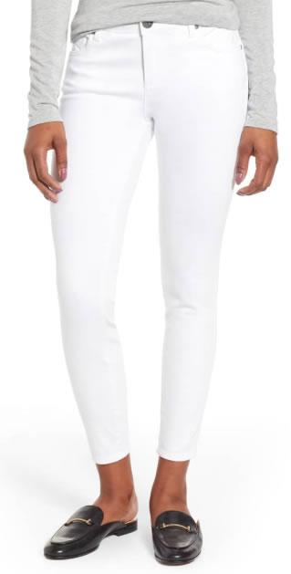 wardrobe essentials | white pants | 40plusstyle.com