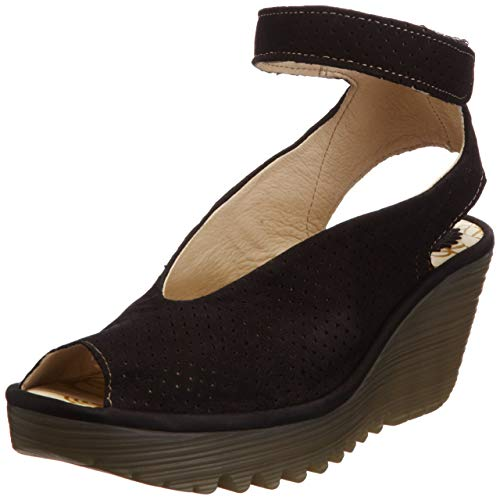 comfortable and stylish shoes for women over 40 | 40plusstyle.com