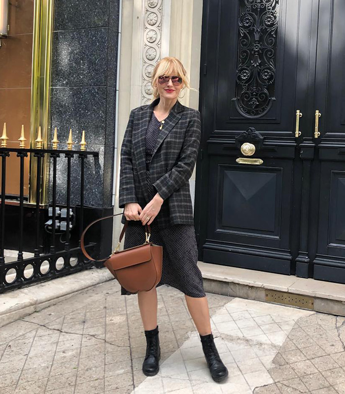 @nowshine wearing a plaid blazer | 40plusstyle.com