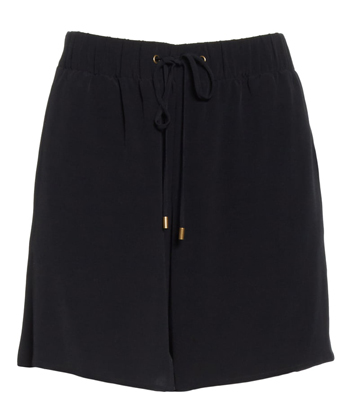 Drawstring Walking Shorts for a cruise | 40plusstyle.com